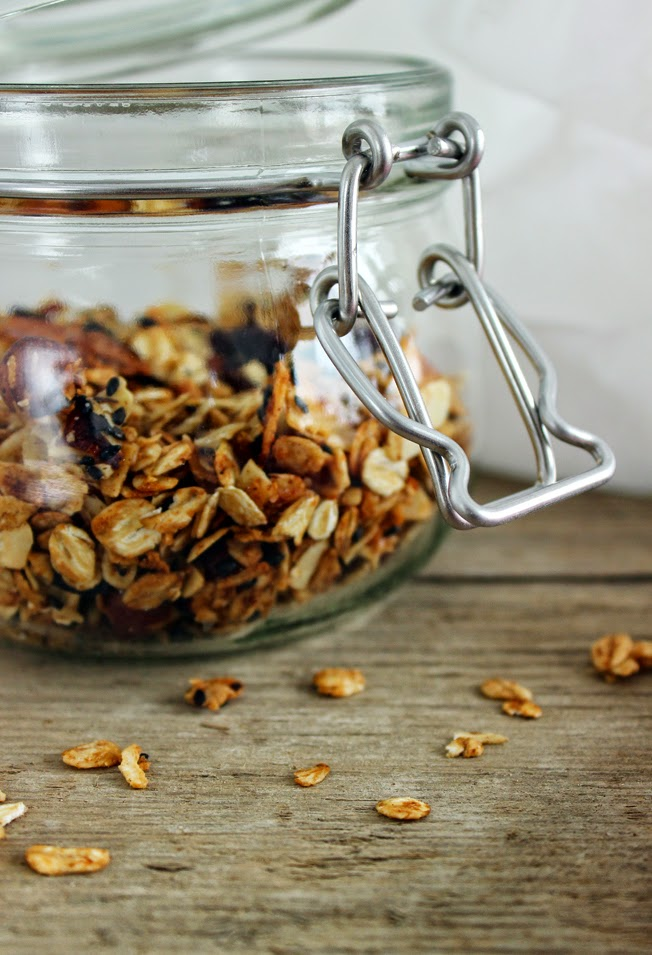 Knuspermüsli mit Cranberries, Haselnüssen und Zimt, Weckglas, Rezept