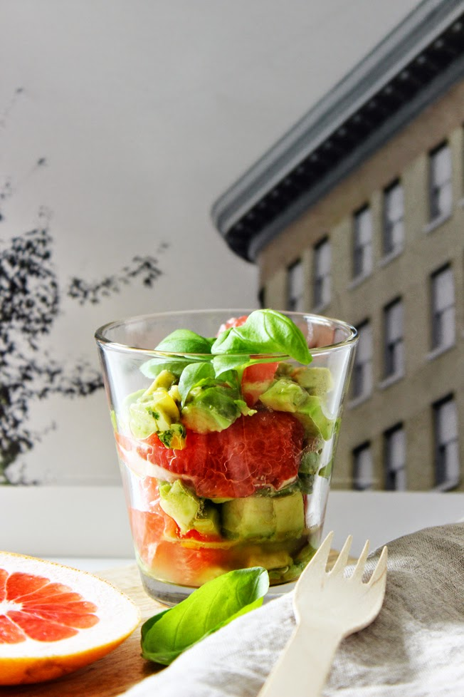 Avocado-Grapefruit-Salat, Detail, Basilikum, Vitaminbooster