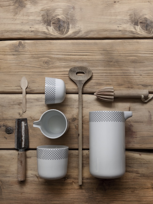 Menu_Tableware_Geschirr_Stitches_Grey_Grau_Gestickt_Blog_jennadores_Stillife