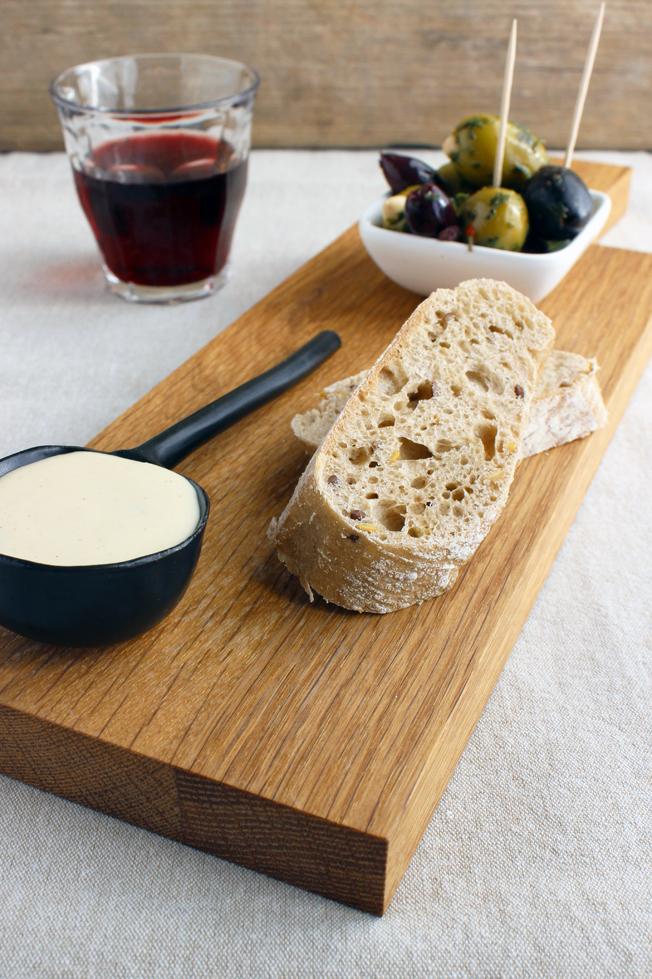 Rezept-Aioli-schnell-selbstgemacht-Foodblog-jennadores-Blog-Brot-Oliven-Rotwein-Tapas-spanisch