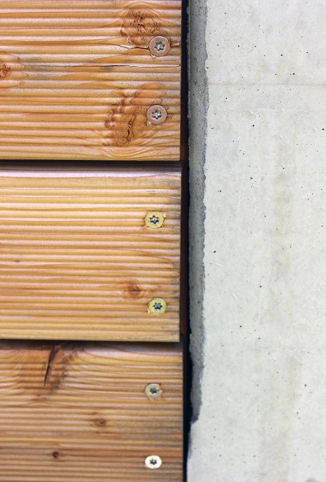 Hochbeet-selbst-bauen-blog-jennadores-garten-diy-beton-holz-frühjahr-details