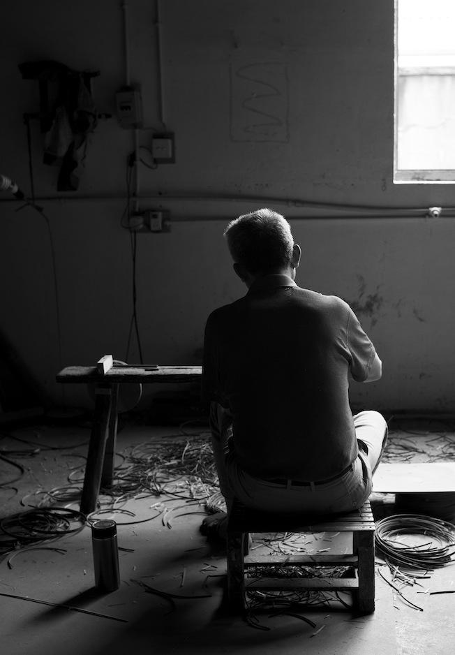 Ay-illuminate-Lampe-Backstage-Produktion-Black-Blog-jennadores-Lampe-Baumwolle-Sisal