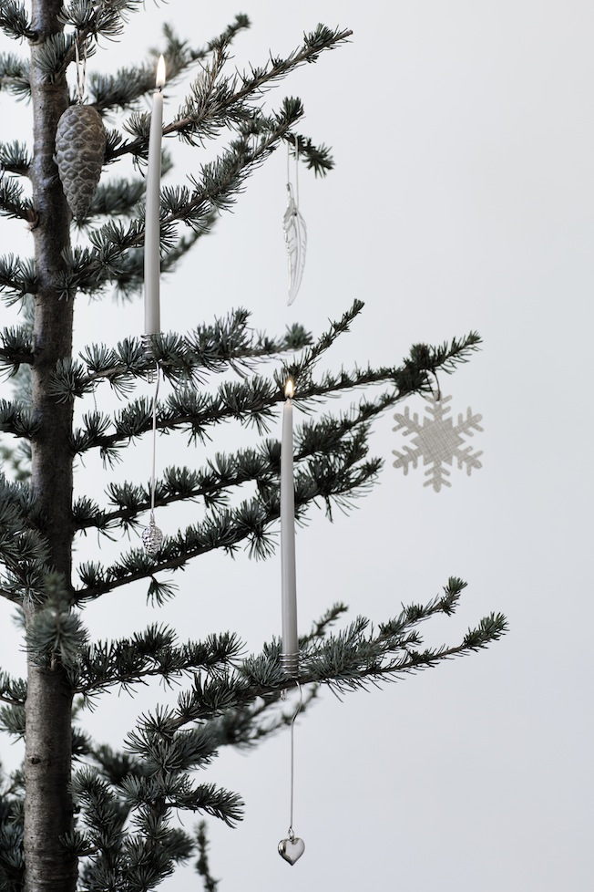 Inspiration-Weihnachtsdeko-Trend-2015-Broste-Copenhagen-Blog-Jennadores-Weihnachtsbaum-Kerzen-Weiß