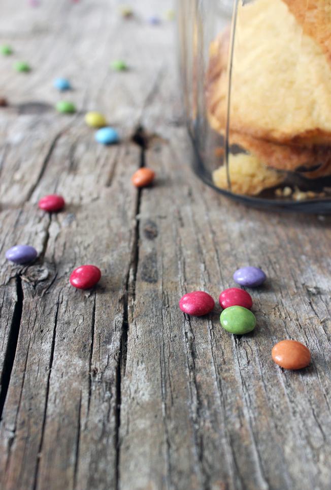 Cookies-mit-Smarties-Blog-Jennadores-Backen-Rezept-Nervennahrung-selbstgemacht-Keksglas-Kekse-Halloween-Weihnachten