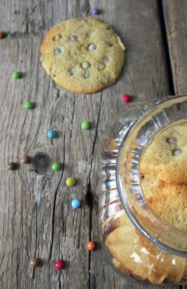 Cookies-mit-Smarties-Blog-Jennadores-Backen-Rezept-Nervennahrung-selbstgemacht-Keksglas-Kekse-Halloween-Weihnachten_1