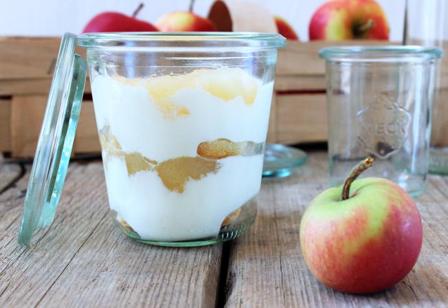 Hessischer-Apfeltraum-Rezept-Nachtisch-mit Apfel-Blog-Jennadores-Dessert-im-Weckglas-quer