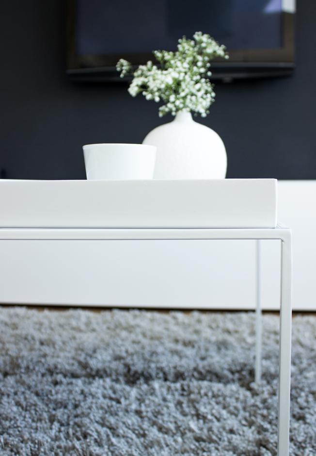 Couchtisch metall weiß  Ein neuer Mitbewohner: Tray Table von HAY