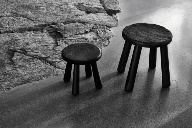Limitierte-Kollektion-Ikea-Svärtan-Blog-Jennadores-Holzhocker-schwarz
