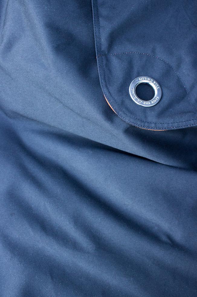 Sitting-Bull-Sitzsack-schwarz-Blog_jennadores-Outdoorsitzsack-Detail