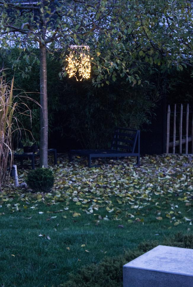 hängender Lichtkranz im Garten, Hochzeitsdekoration, Adventsbeleuchtung
